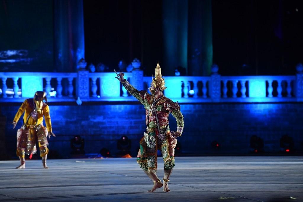 Hà Nam: Hàng vạn người thưởng thức đêm văn nghệ do VTV1 trực tiếp - chào mừng Đại lễ Vesak LHQ
